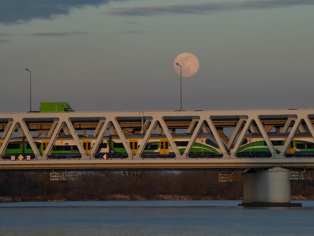 The last winter full moon by haskar