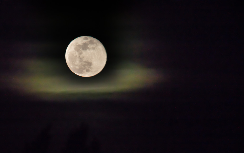 Supermoon  by caterina