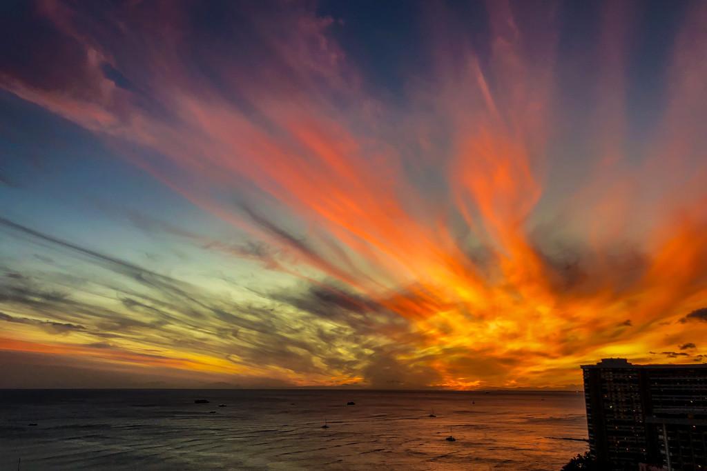 Waikiki Sunset by kwind
