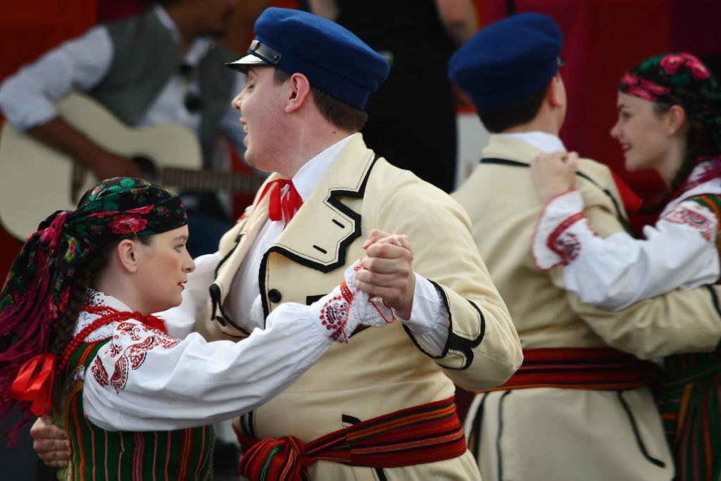 Polish Dancing #3 by kgolab