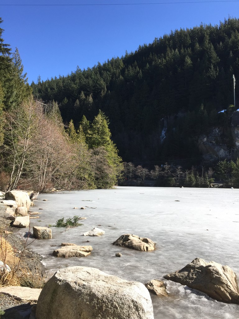 Another Frozen Lake by bilbaroo
