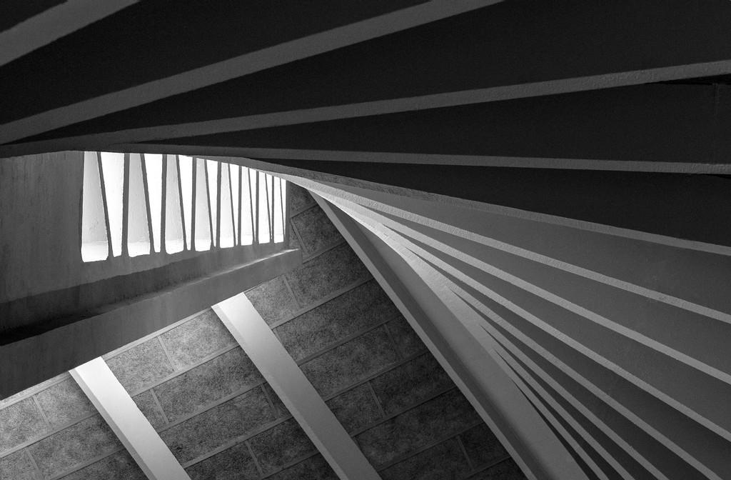 Light and lines by dulciknit