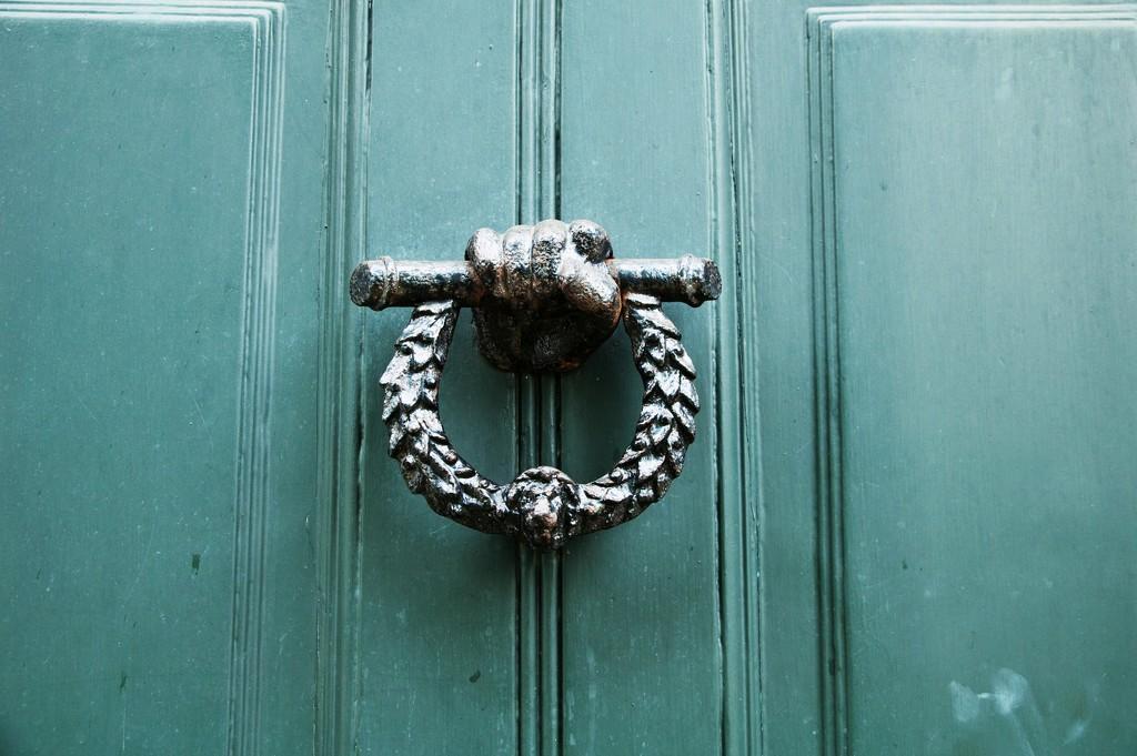 Knock knock... by brigette