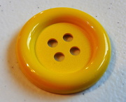 27th Mar 2019 - Yellow button