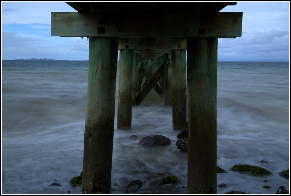 Under the wharf by dide