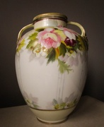 31st Mar 2019 - Vase with pink flowers
