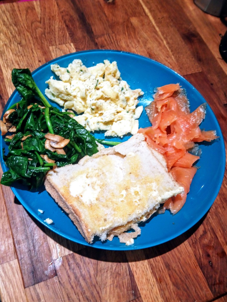 Smoked salmon and scrambled egg supper by boxplayer