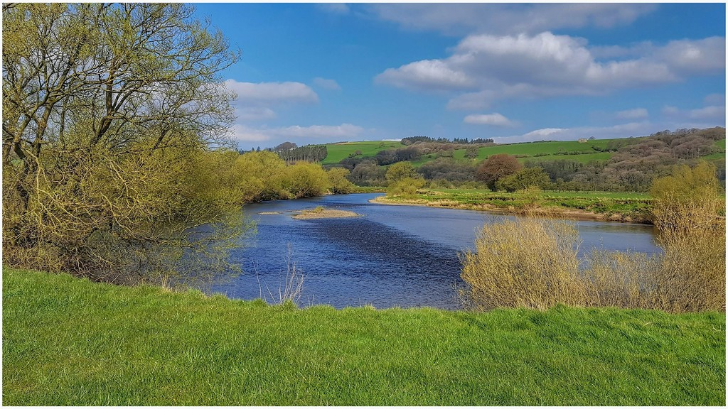 A view of the River Lune from Bull Beck by lyndamcg