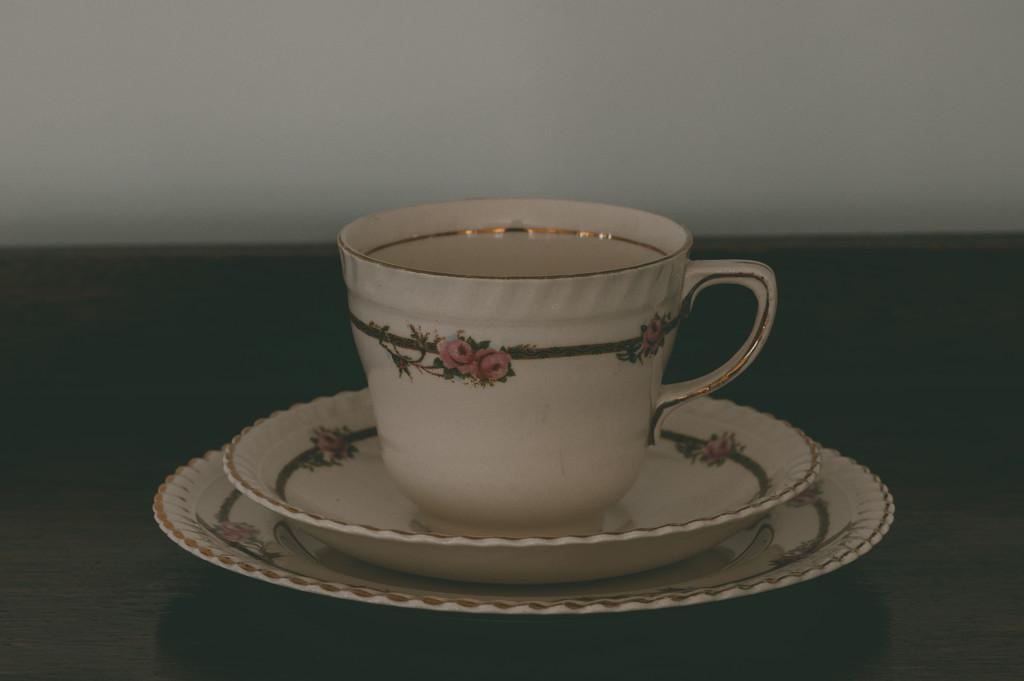 30 Shot April - Tea set  by brigette