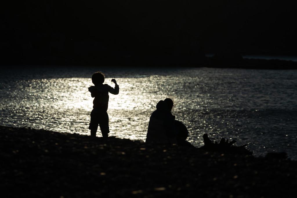 Boy by the sea by yaorenliu