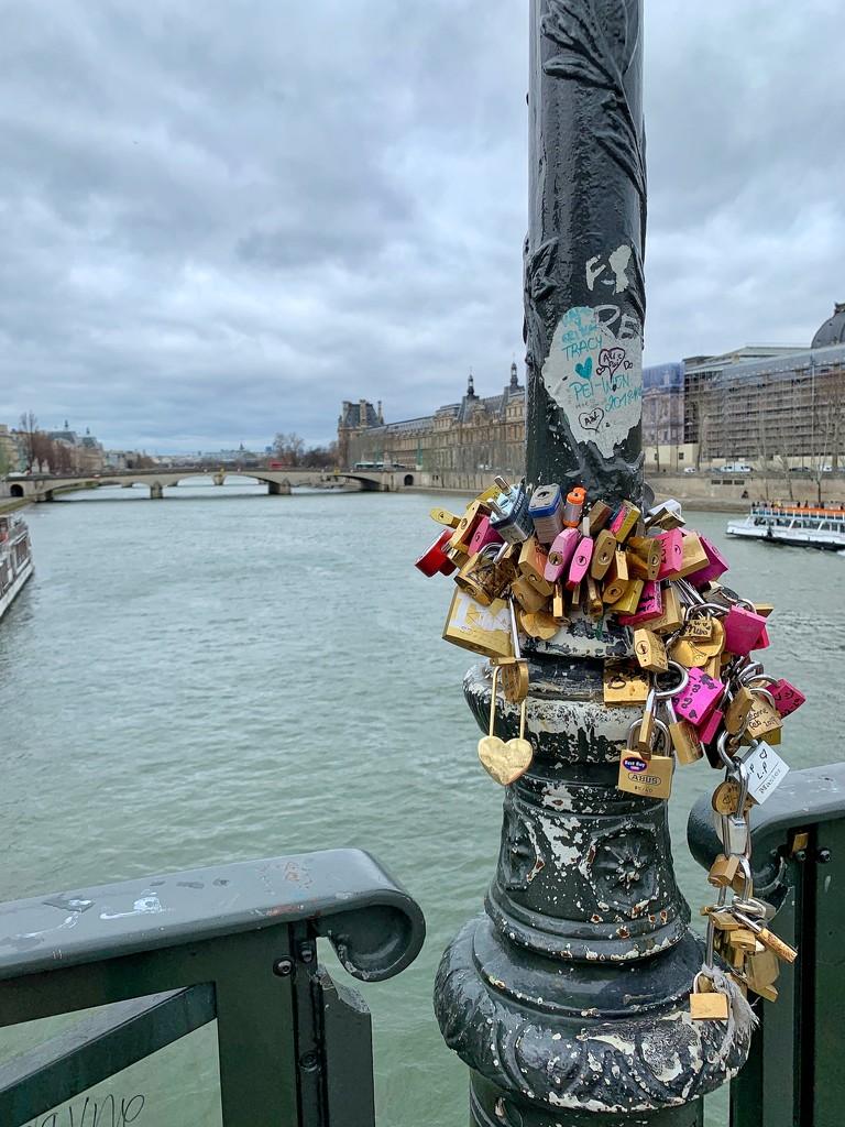 💛🧡❤️💚💙💜 for Paris.  by cocobella