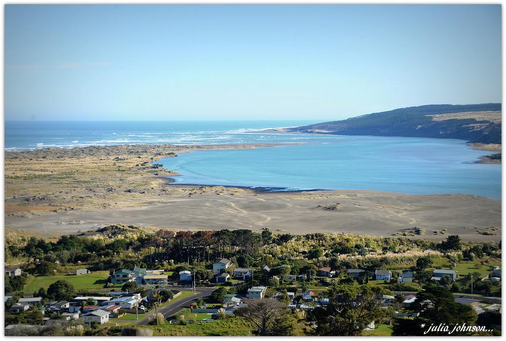 Port Waikato .. by julzmaioro