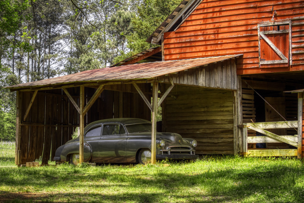 Antique Garage by kvphoto
