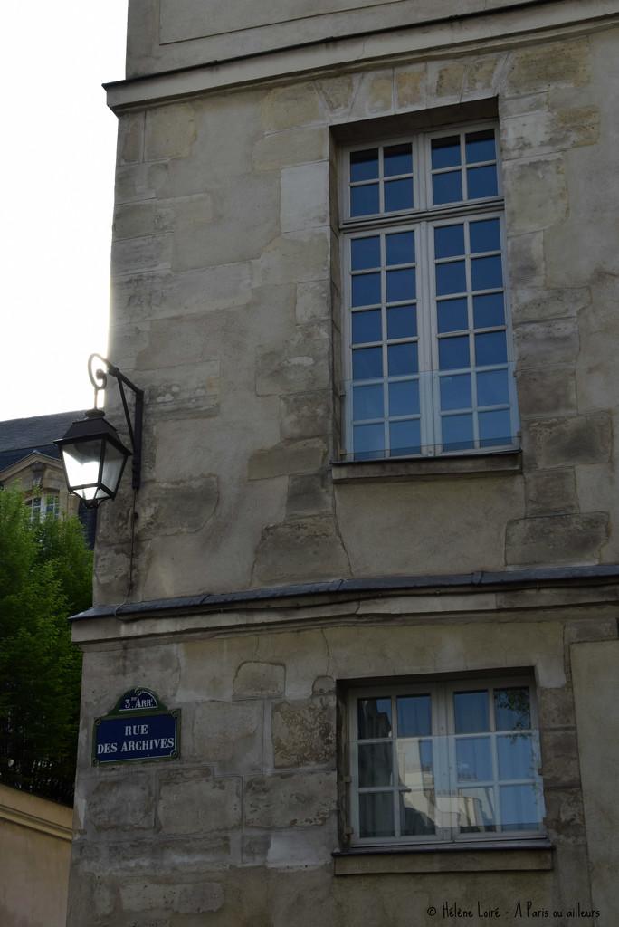 walk in the Marais by parisouailleurs