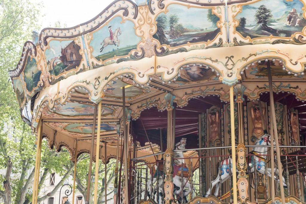 Carrousel belle-époque à Avignon by nicolecampbell