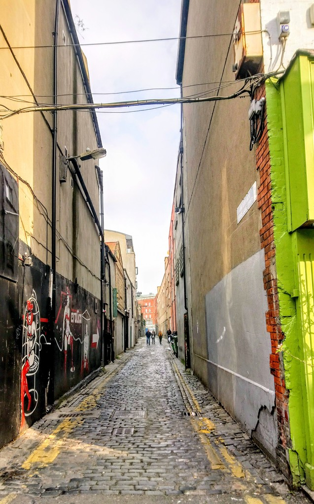 Dublin alley by boxplayer