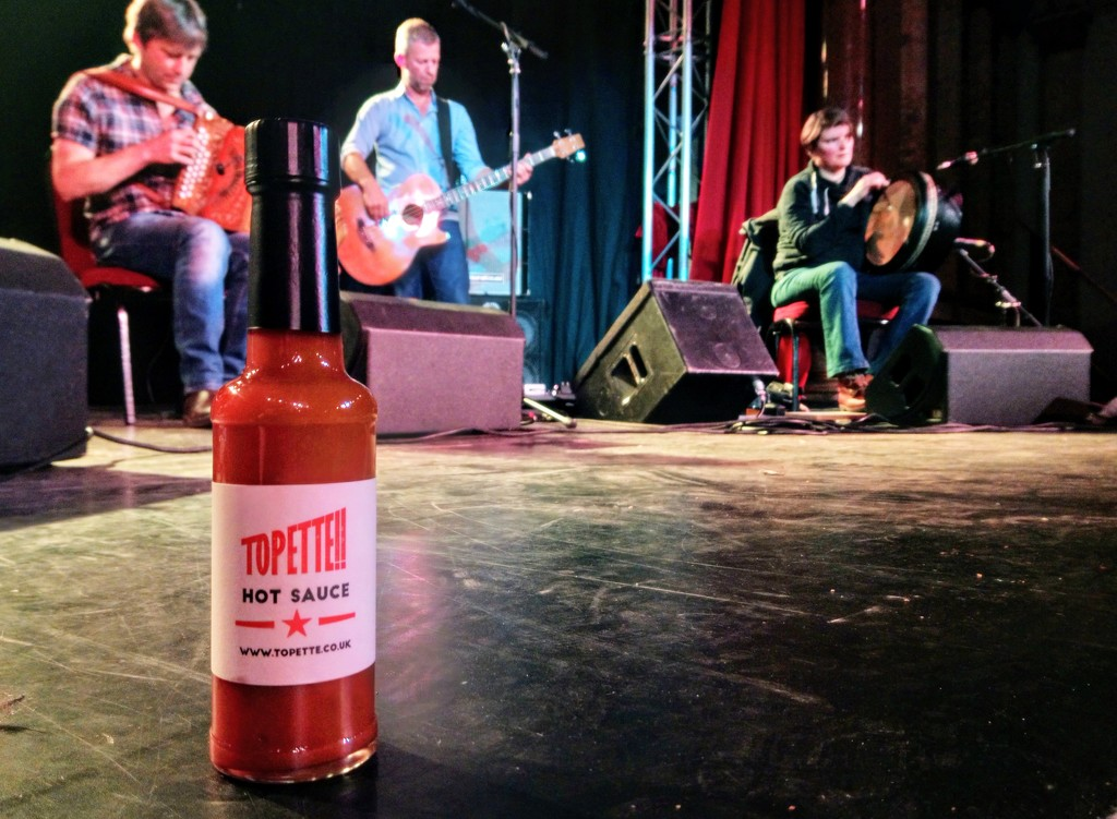 Topette hot sauce by boxplayer