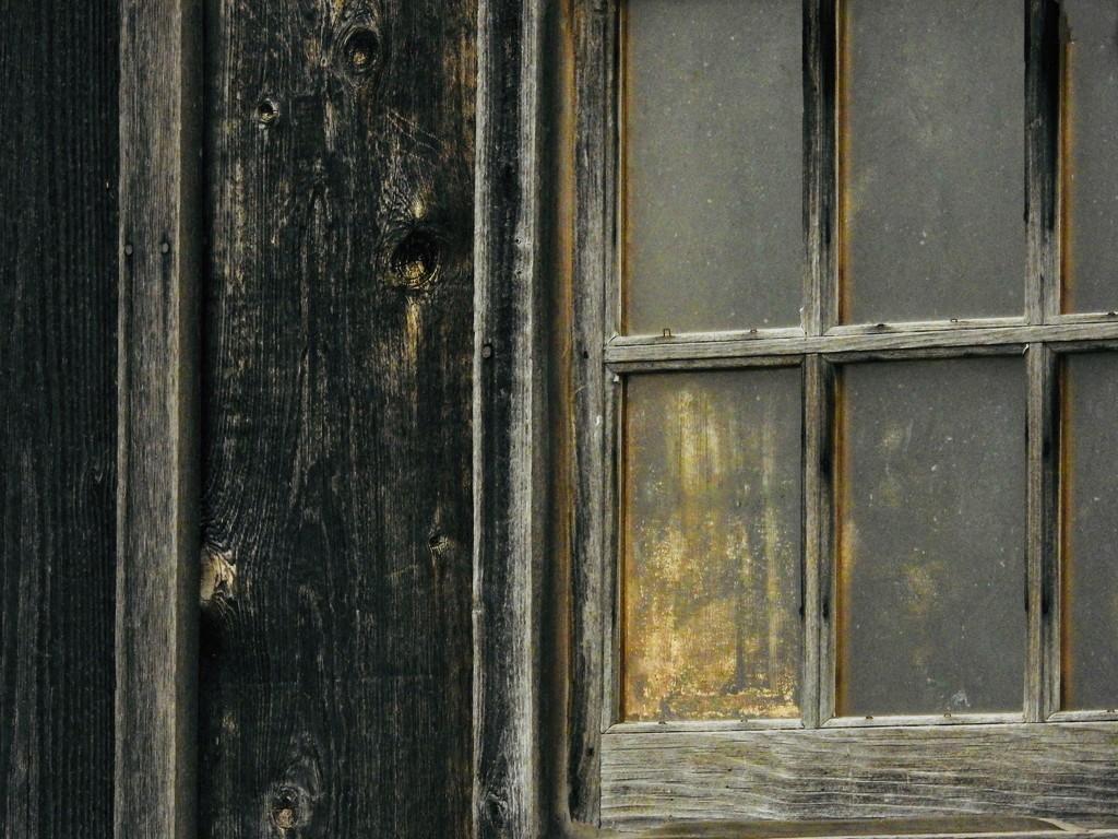 Weathered window by amyk
