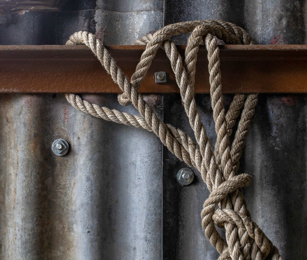Rope and metals by dulciknit