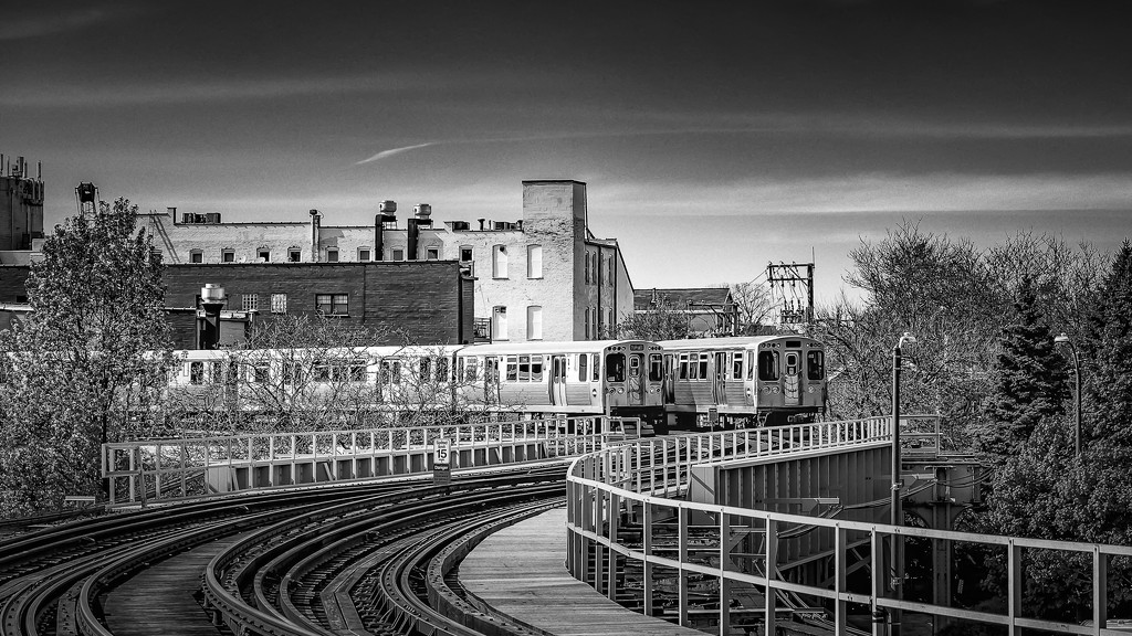 Trains Above the City by taffy