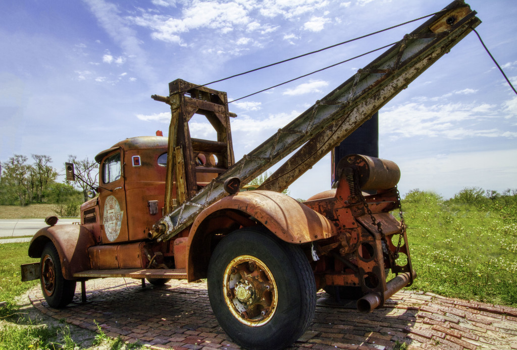 Old Chevy Tow Truck by kvphoto