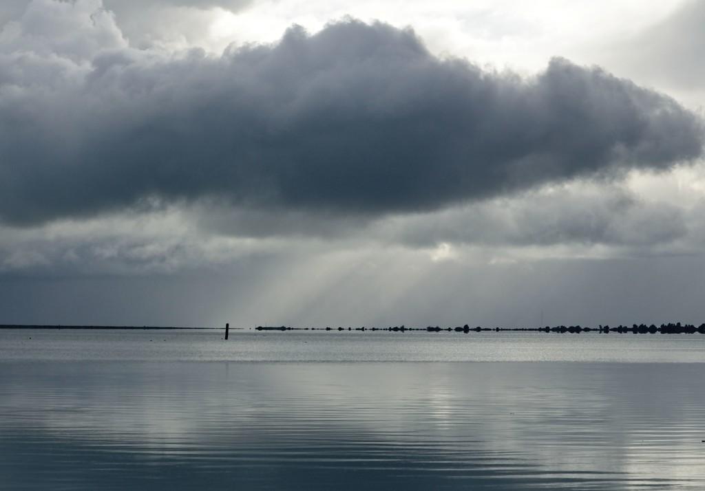 Harbour light by kiwinanna