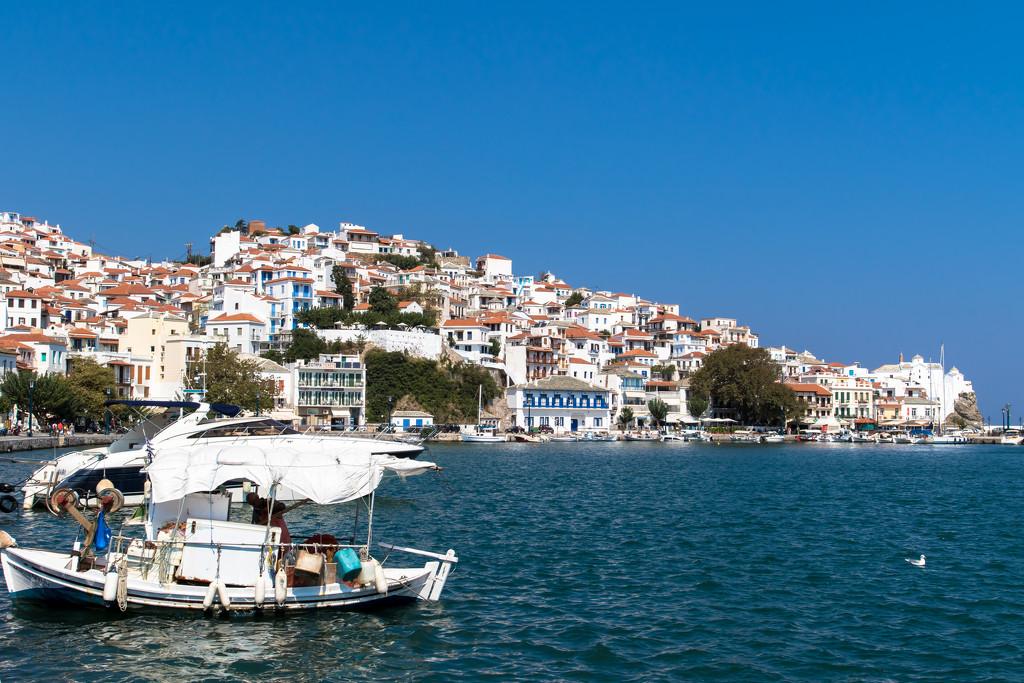 Skopelos Port by peadar