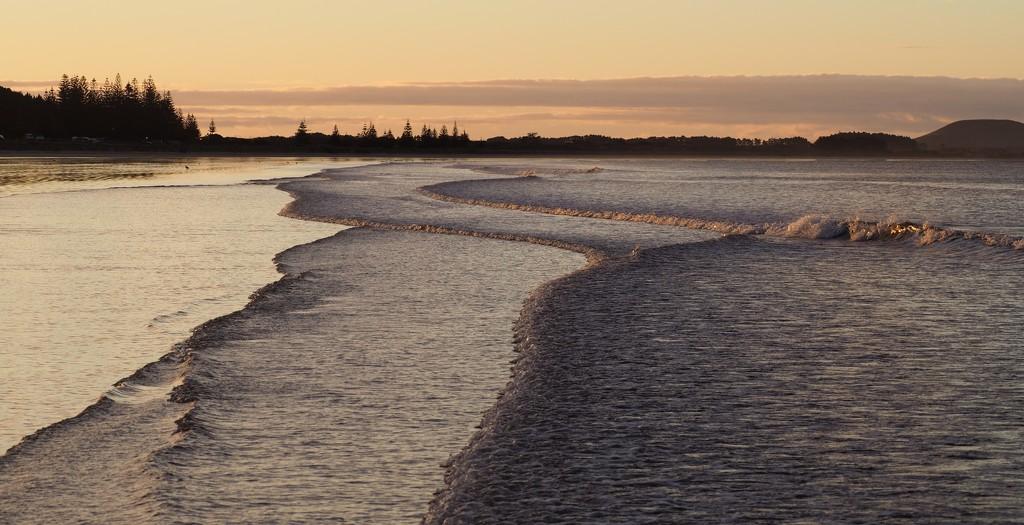Tokerau Beach on sunset  by Dawn