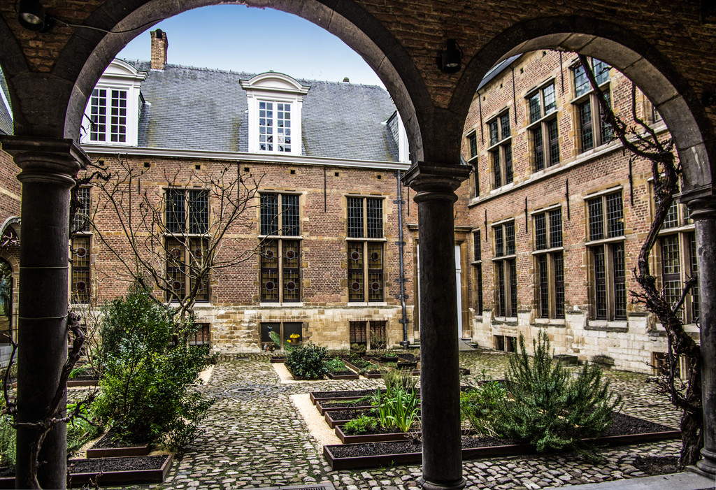 The Rockox House, Antwerp, courtyard by ivan