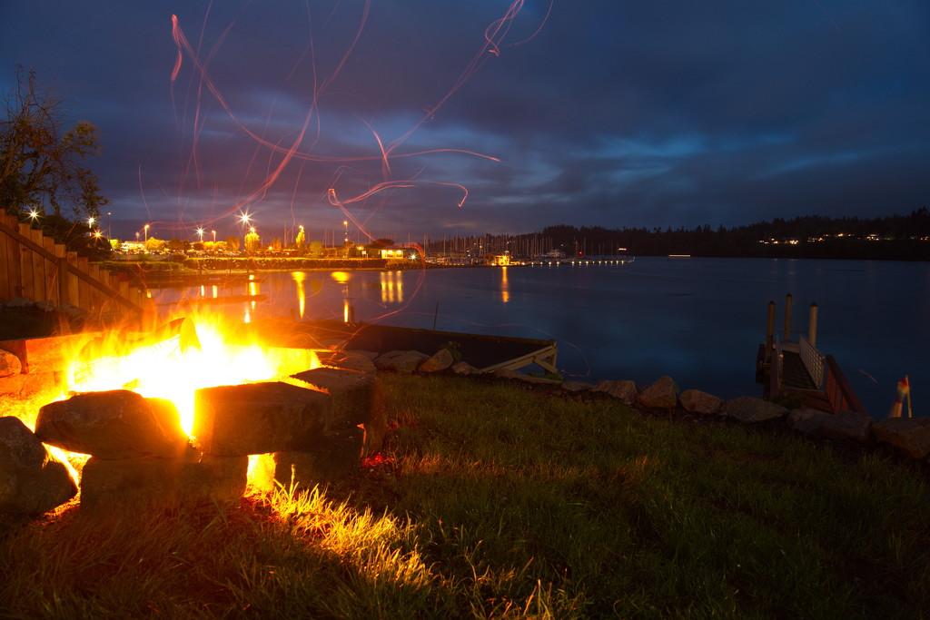 Evening on the bay by teriyakih