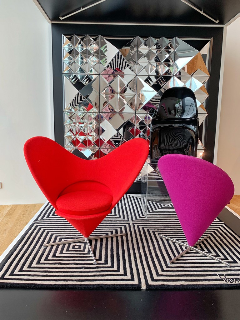 The heart armchair.  by cocobella