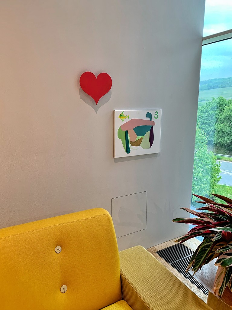 Heart on the wall.  by cocobella