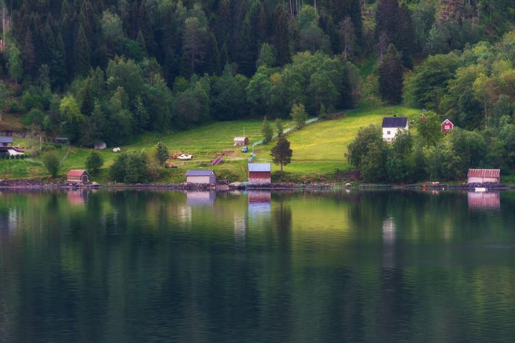 Along the Nordfjord by rumpelstiltskin