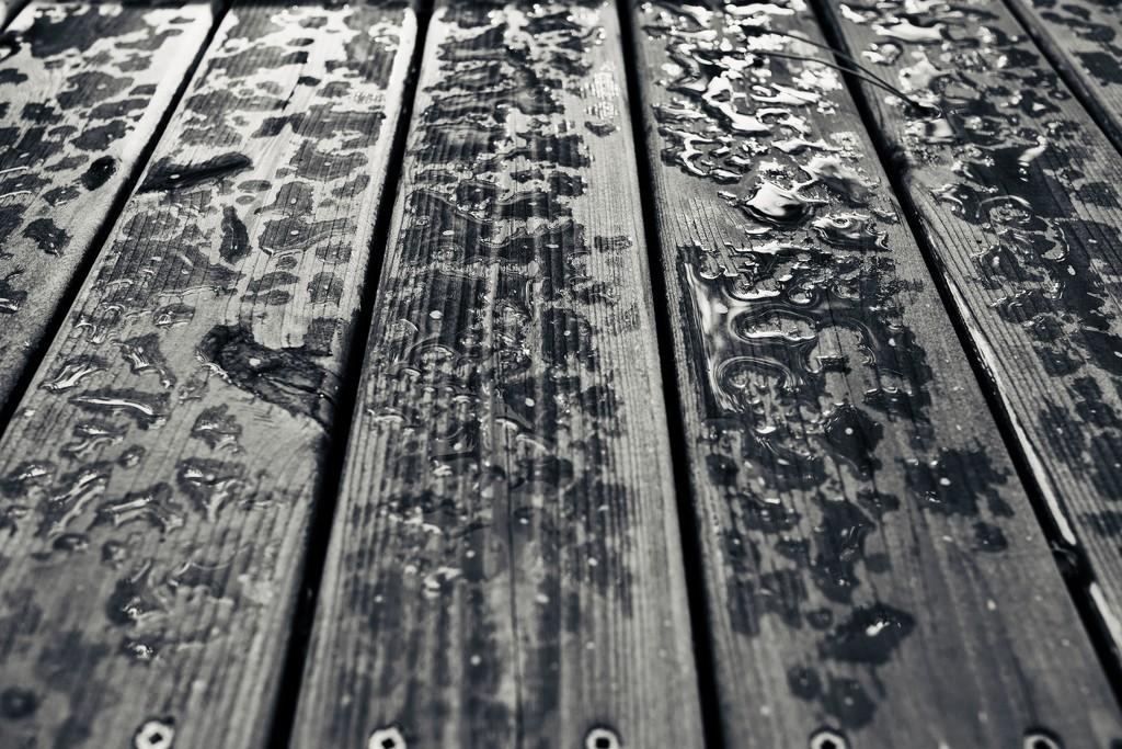 Boys like me belonged to the rain. by cristinaledesma33