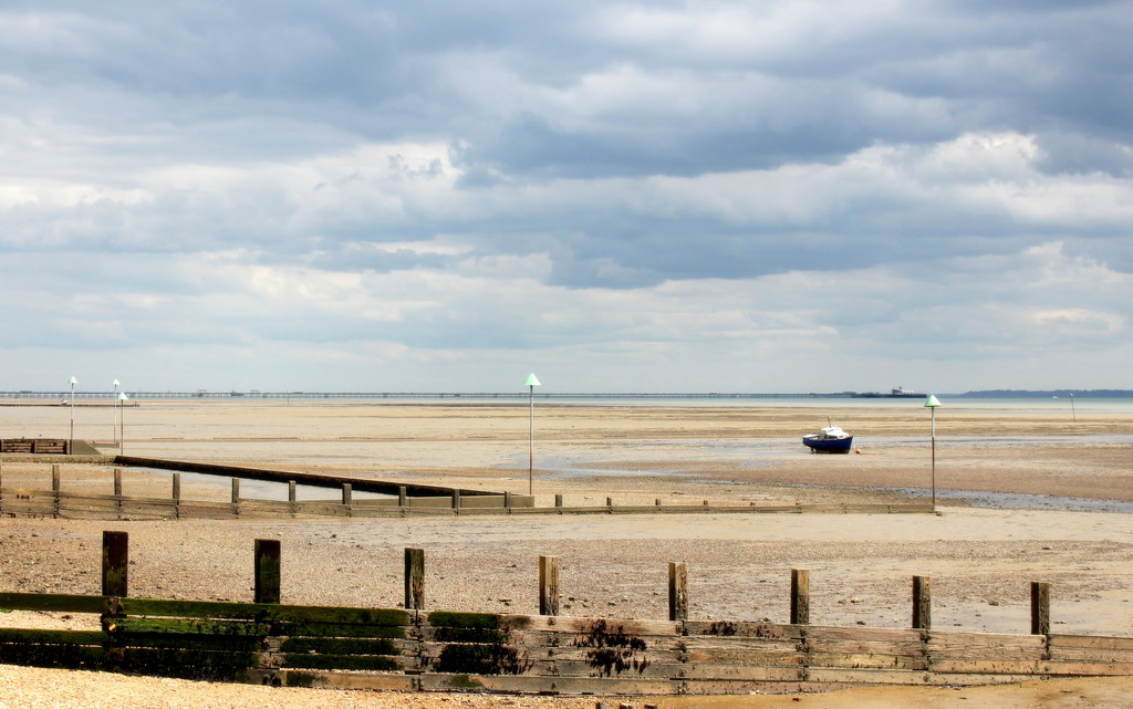 View of Southend Pier by boxplayer