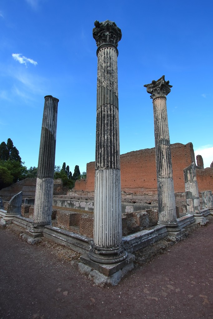 Pillars, Hadrian's Villa by blueberry1222