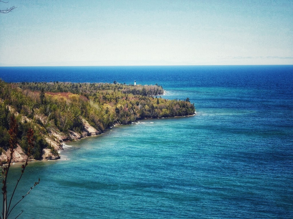Coastline-Lake Superior by amyk