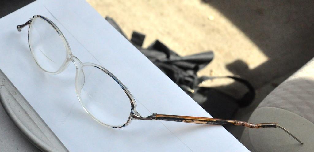 Broken glasses by sailingmusic