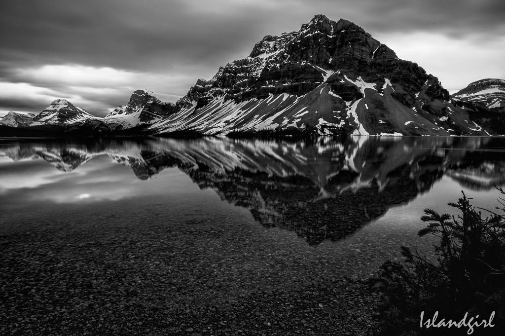 Bow Lake, Alberta B&W by radiogirl