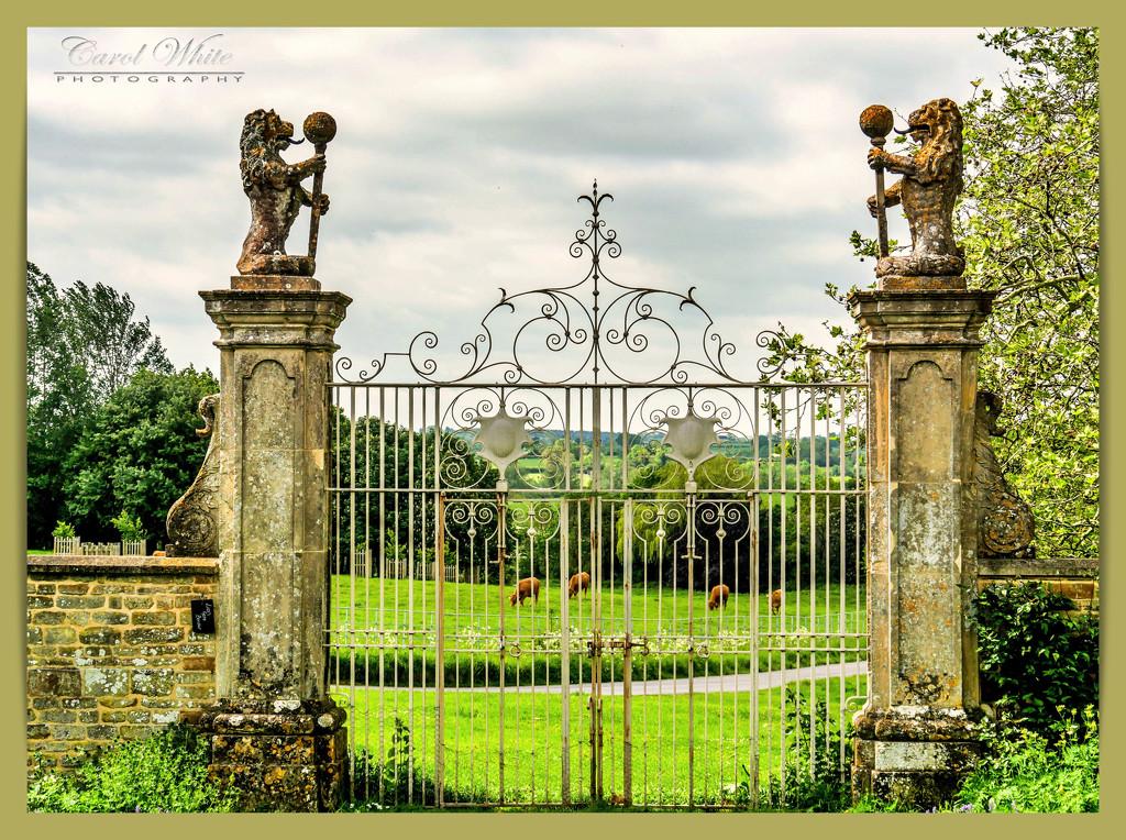 Through The Gates,Canon's Ashby House (filler) by carolmw