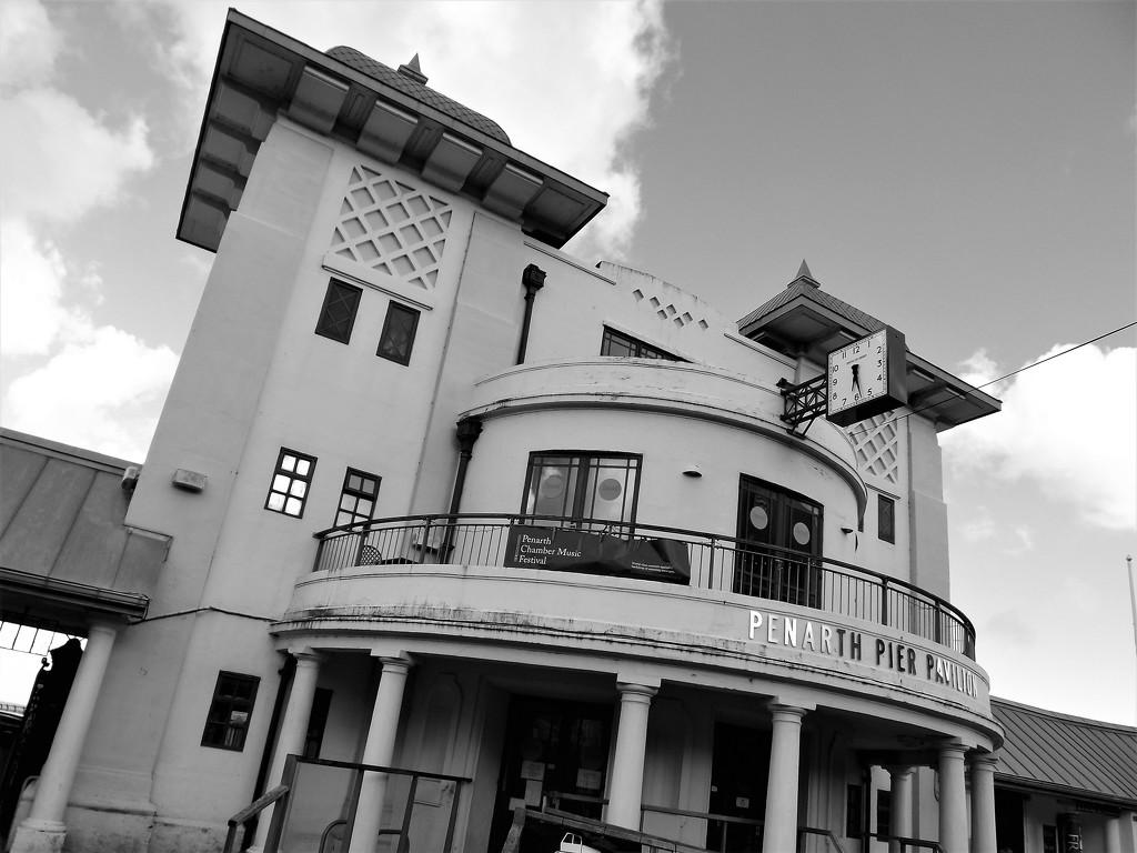 Penarth Pier Pavilion by ajisaac