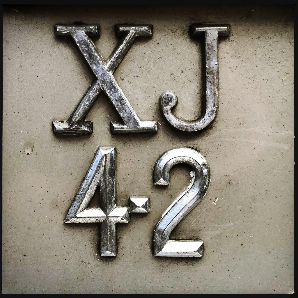 XJ42 by mastermek