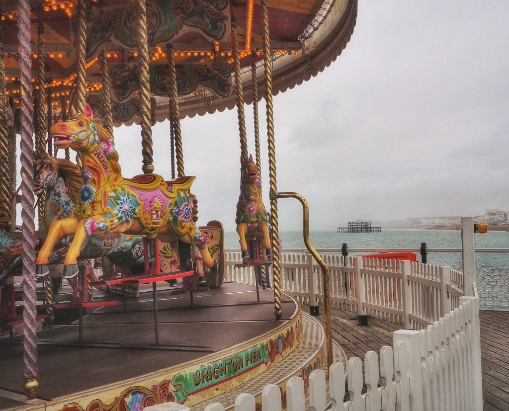 A rainy afternoon in Brighton by suesmith