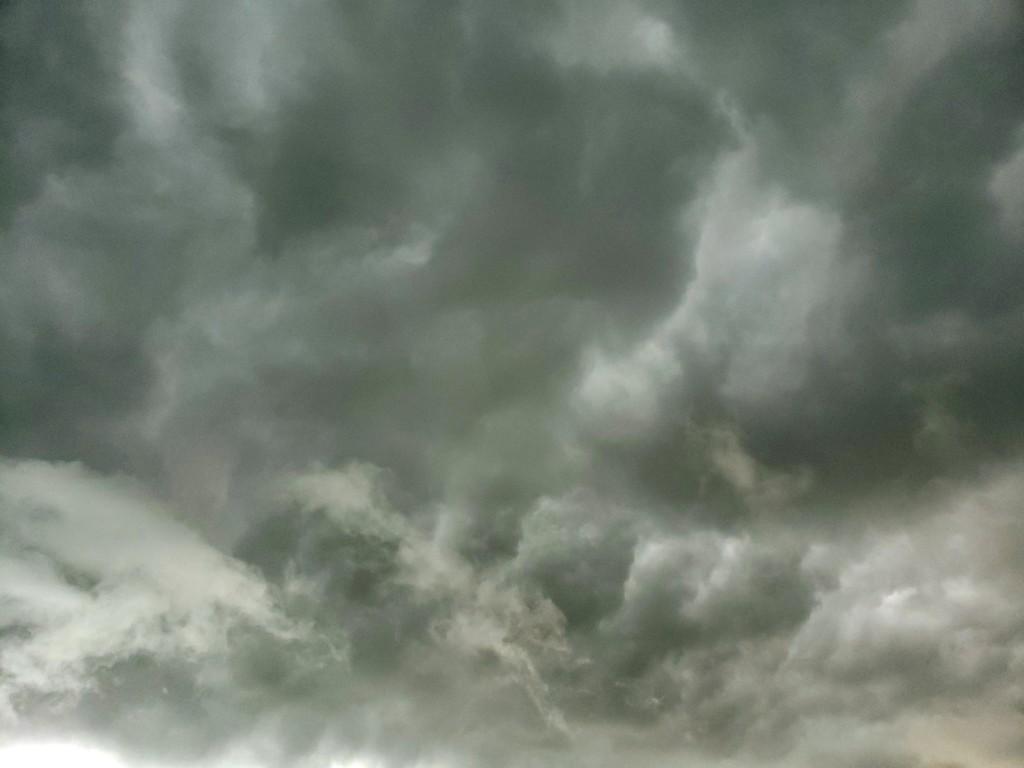 Tornado warning by danette