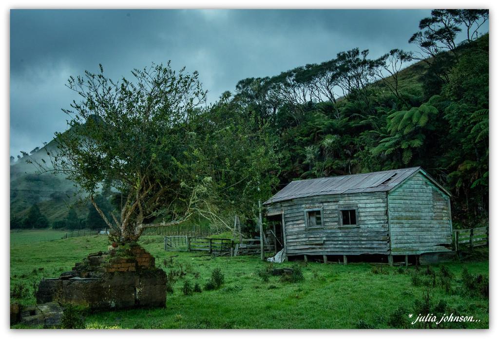 Kiwi Road Gem...   by julzmaioro