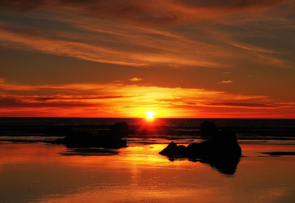 Sunrise Sumner Beach by maureenpp