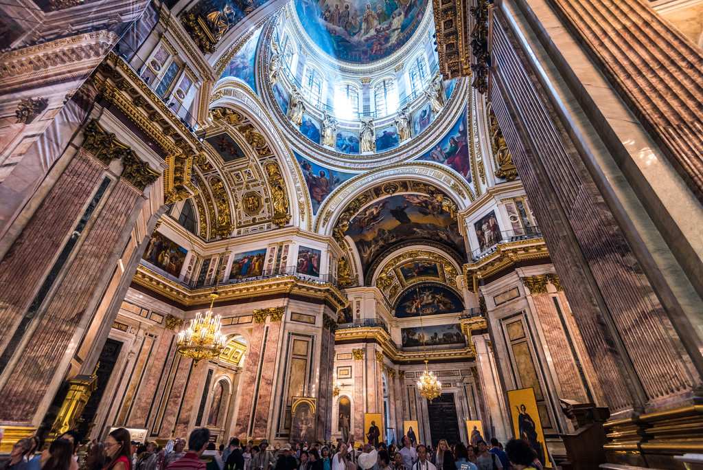 Inside St. Isaac's by kwind