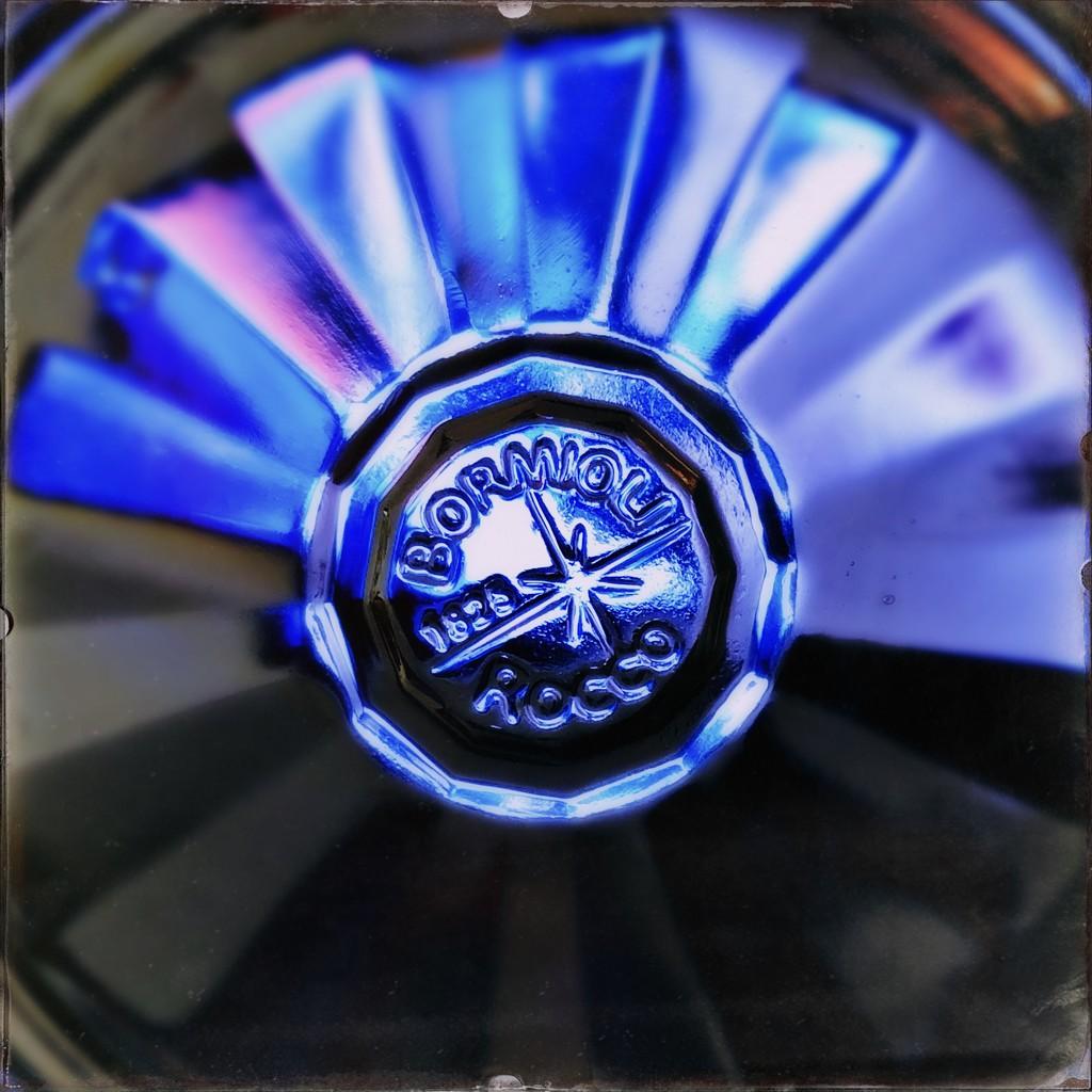 Blue fan by mastermek