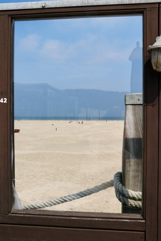 Terschelling Beach framed by momamo