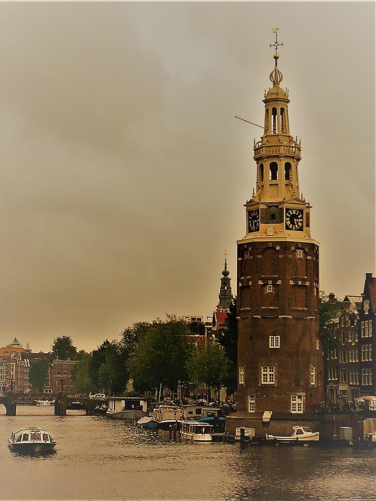 Montelsbaanstoren te Amsterdam by jaycrow
